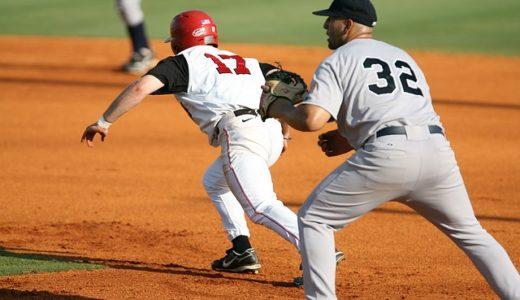 試合序盤、ノーアウトランナー1塁でバスターをする攻め方とは?