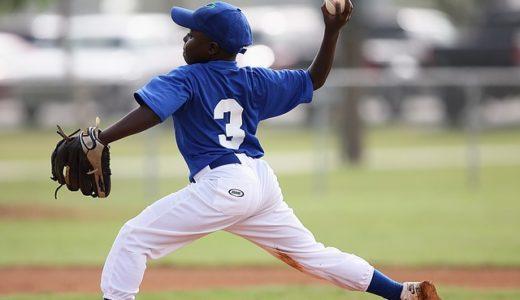 ピッチング上達のコツ!速く安定した球を投げるための前足ステップからの体の回転方法とは?