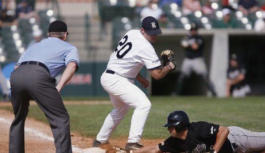 進塁チャンスが広がる1塁ベースでのリードの取り方とは?